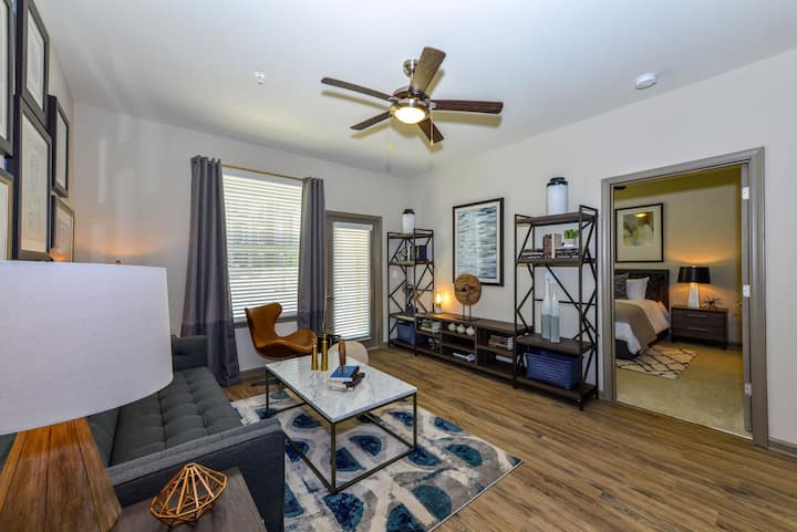 Relax in comfort | 2BR in Lawrenceville