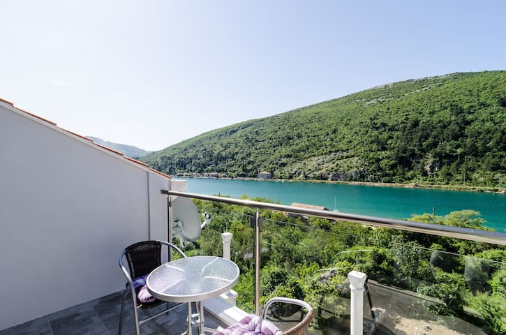 Apartment Ines with sea view I - Dubrovnik