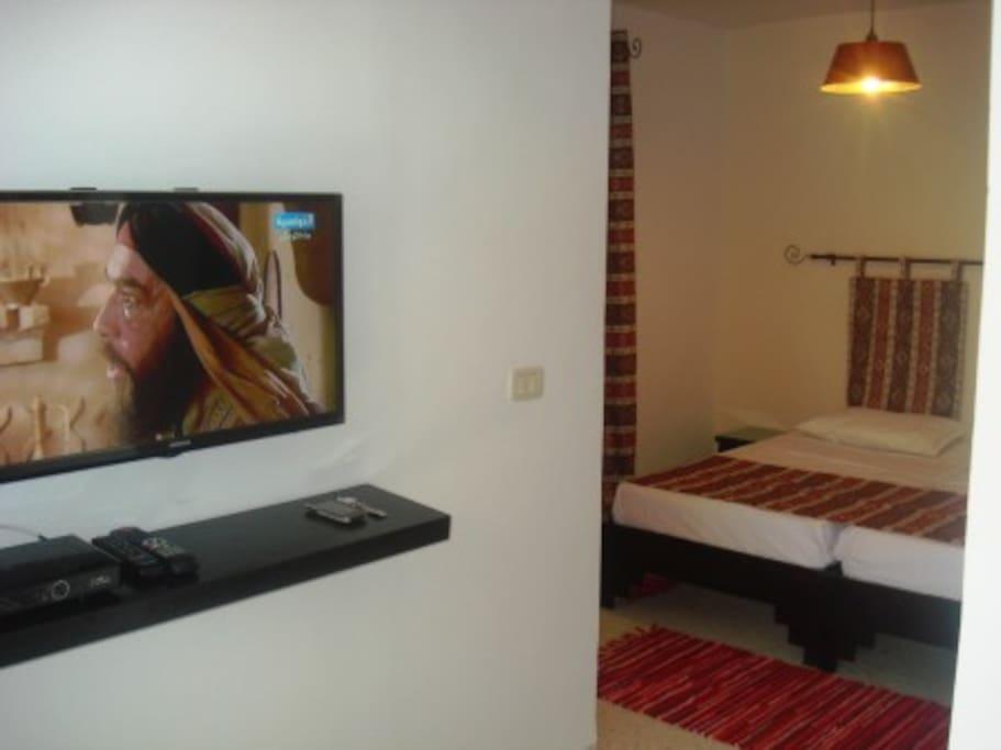 télé et récepteur numérique HD