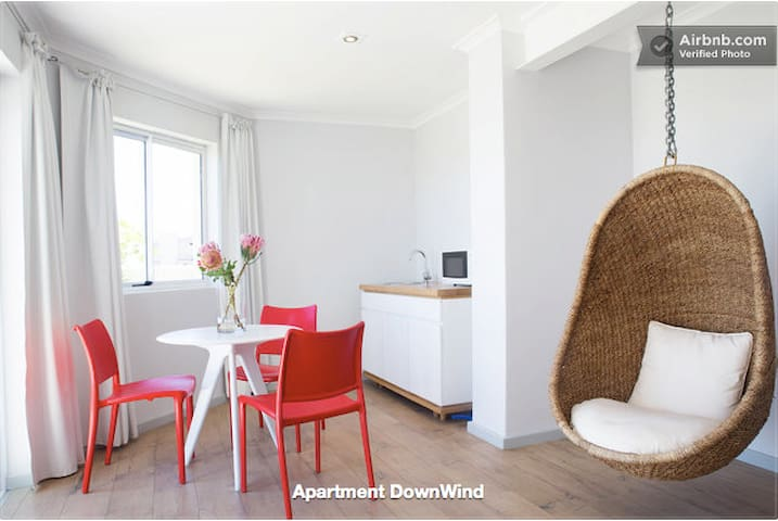 "Sunset Beach Apartment ""DownWind"" - Cape Town - House"