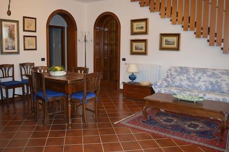 Splendido appartamento vicino al Monte Falterona - Stia - อพาร์ทเมนท์