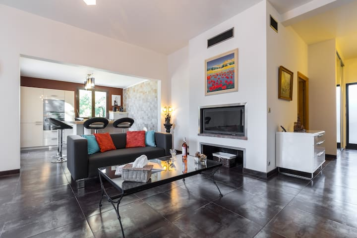4 pièces Grande Terrasse Calme Campagne à la ville - Nicea - Apartament