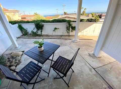 Serene, Modern Beach Studio with Ocean View