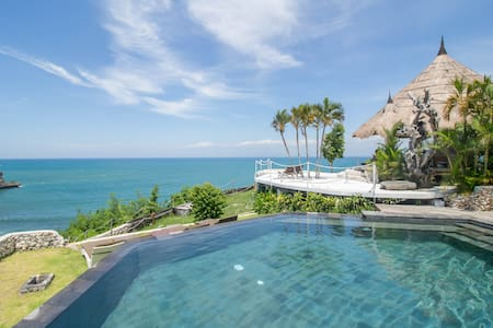 Eco-Luxury Loft with Secret Beach Access - South Kuta - Σοφίτα