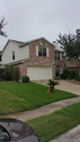 Comfy & Safe 1-2 bedrooms for rent - Corpus Christi - House