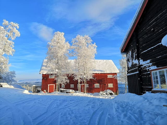 Skåbu, tømmerhus/hytte