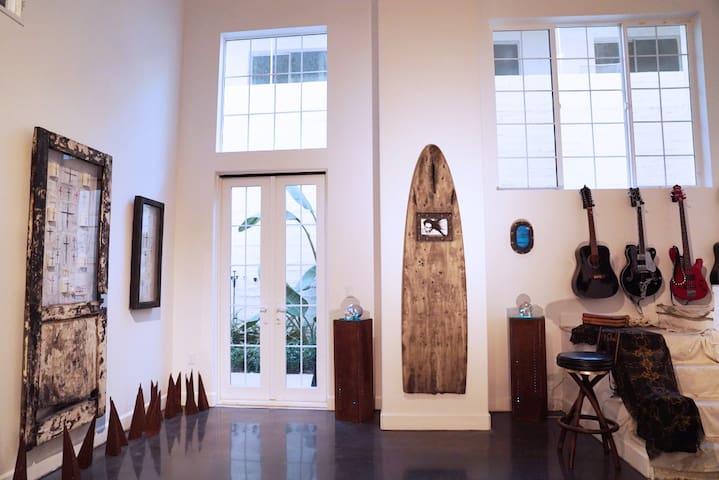 Downtown Ventura Art Loft - 文圖拉 - 公寓