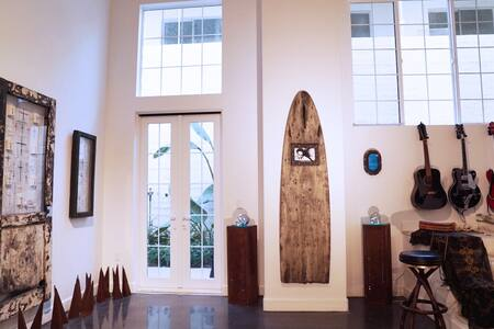 Downtown Ventura Art Loft - Ventura