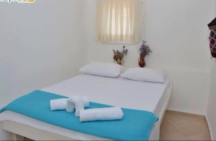 Bıyıklı beach(çift kişilik oda) - Mithatpaşa - ที่พักพร้อมอาหารเช้า