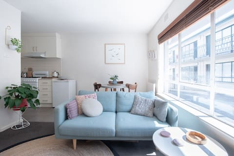 Super cute & central one bedroom flat in Brunswick