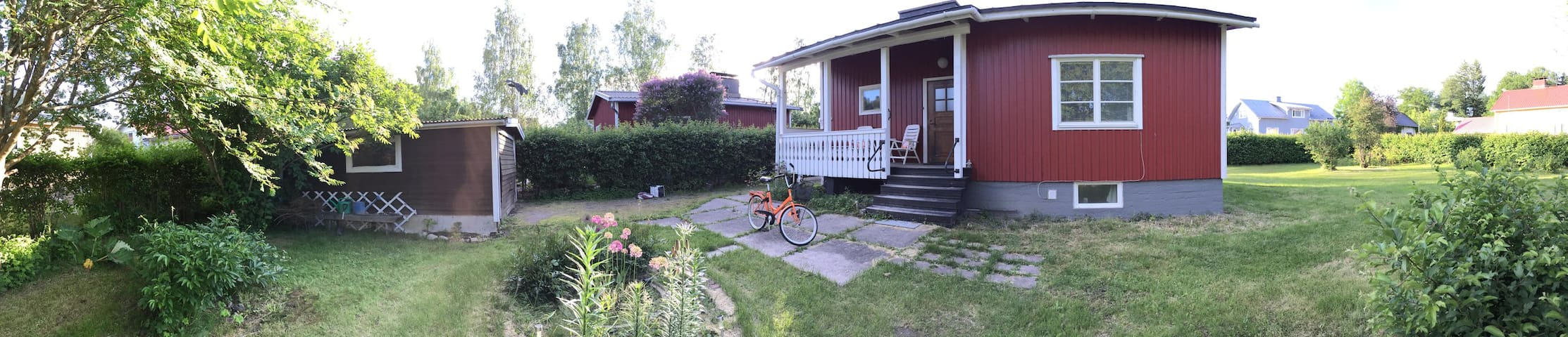 Lingonberry Cottage - close to centre of Ekenäs - Raasepori
