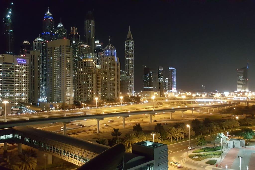 Balcony view Full marina and sheikh zayed
