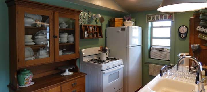 Cow Creek Cottage Near Fishing, Hunting +Parking