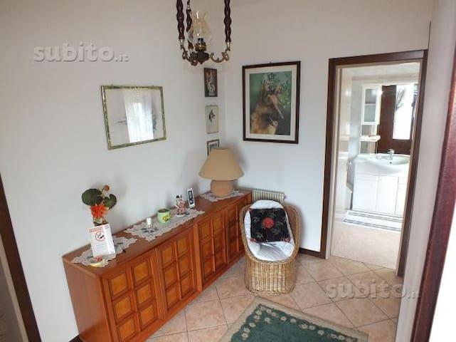 casa vacanze 20 km dal mare 9 posti - Palazzolo Dello Stella - House