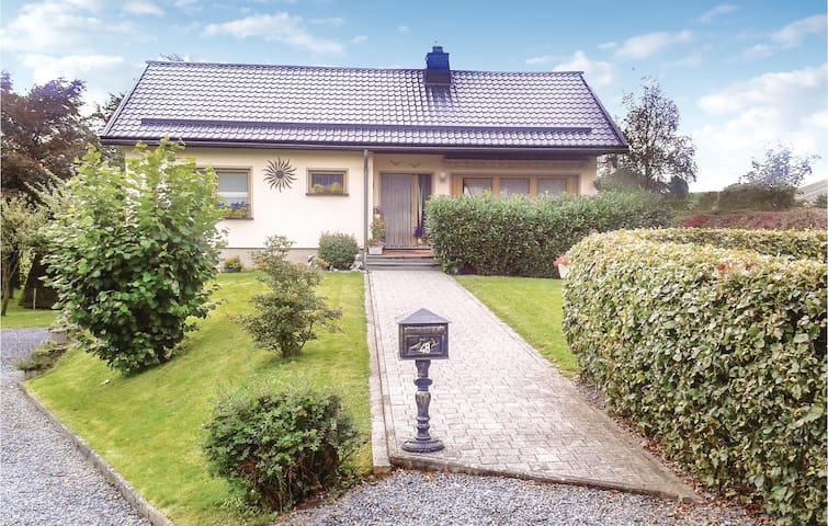 Holiday apartment with 1 bedroom on 50m² in Weywertz