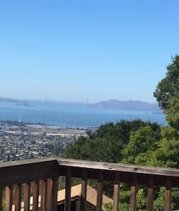 Urban Cabin w Bay View Can Sleep 5 - Berkeley