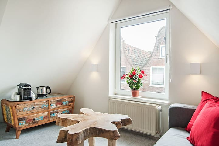 JorDam Bed & Coffee Loft , city center Jordaan.
