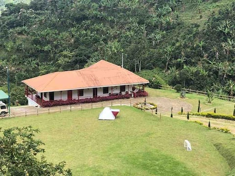 Cozy and traditional Colombian cottage wt 360 view