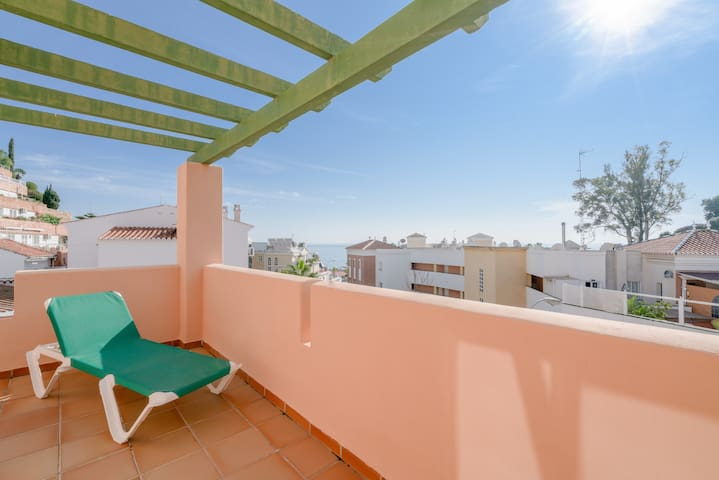 Air-Conditioned Apartment On the Beach with Pool, Terrace & Wi-Fi; Parking Available