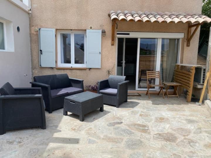 Charmant T2 vue Mont Gozzi, terrasse privative