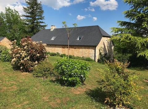 Maison dans le Lot, carrefour Dordogne et Corrèze
