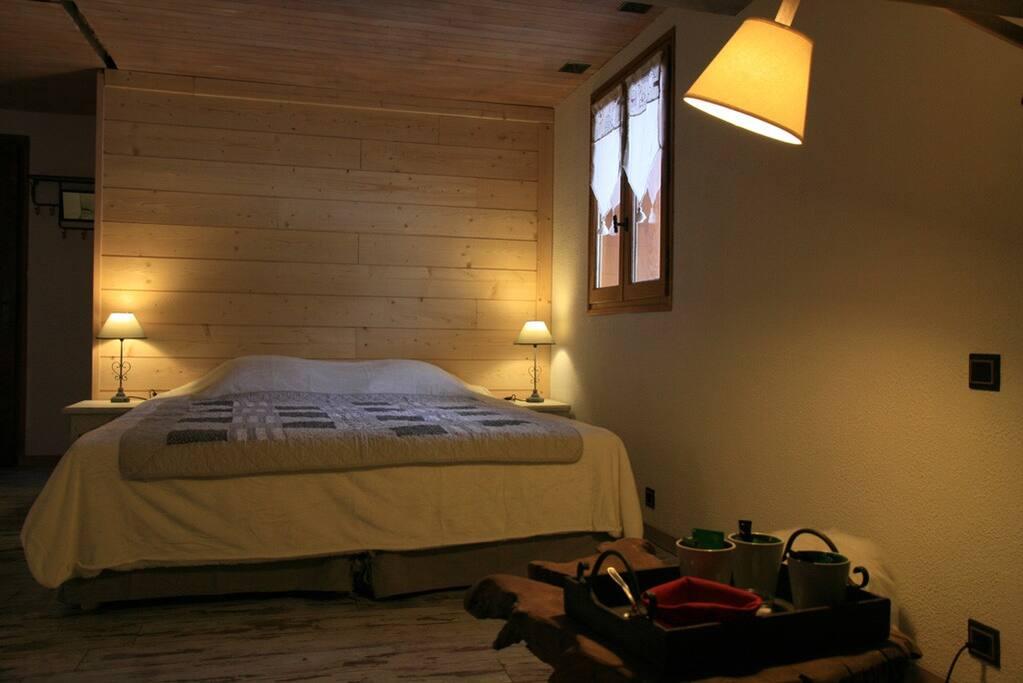 les marm 39 h tes chambre 3 4 pers chambres d 39 h tes louer la c te d 39 aime rh ne alpes france. Black Bedroom Furniture Sets. Home Design Ideas