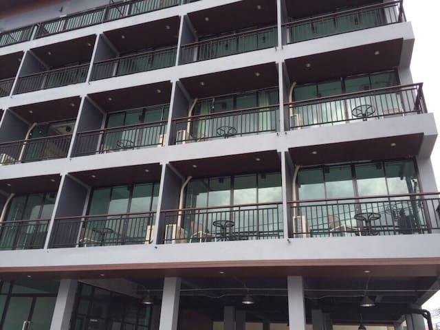 Rinrada Loft Resident Hotel - Si Phum - Lägenhet