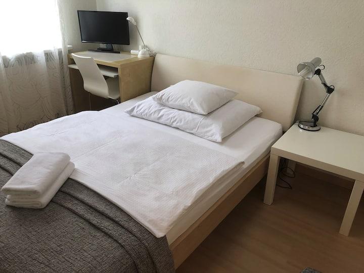 Stadt Zürich- Guesthouse (Zimmer 2)