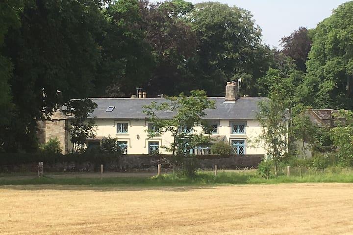 Stewards Cottage, Fortwilliam Estate