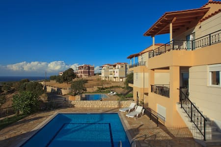 Luxury Villa with private pool - Kournas - Vila