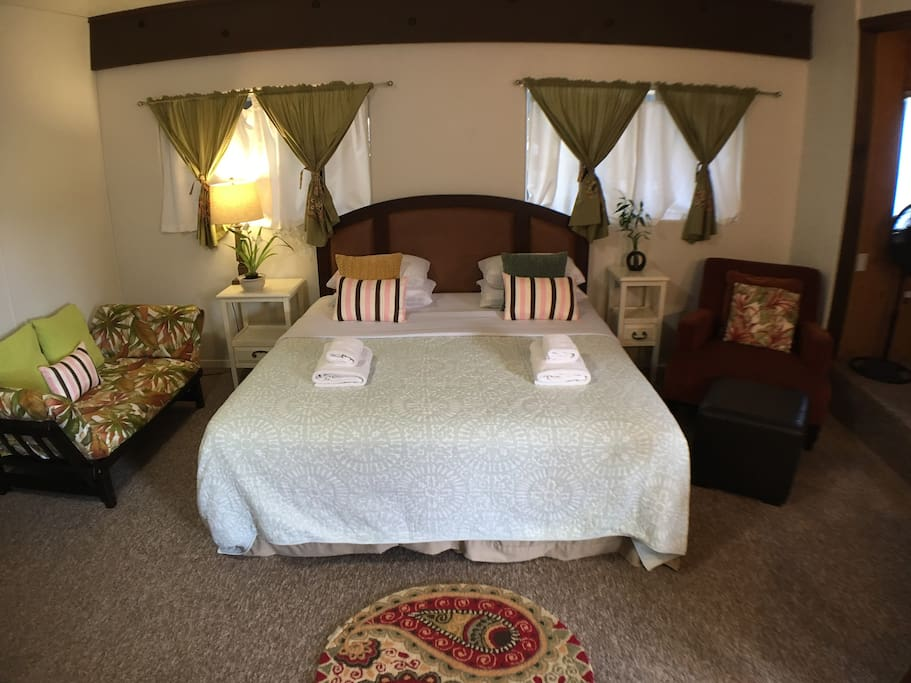 Cal King Size Luxury Hotel Bed