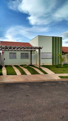 Alugo Casa para a COPA EM CUIABÁ - Cuiabá - บ้าน