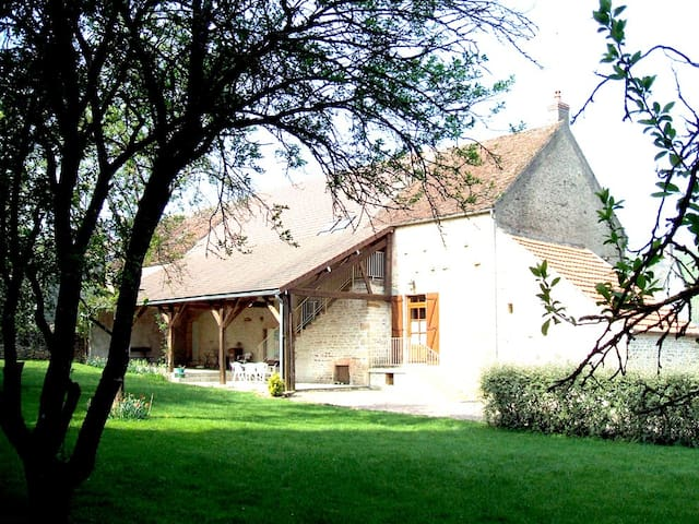 Maison de village pleine campagne - Chazeuil - Casa