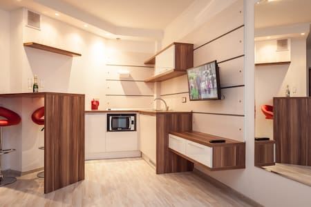 Modern apartment-studio. Wi-Fi! - Minsk