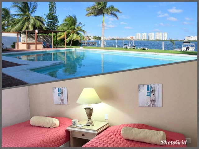 Lagoon front beautiful 2 BDR at Hotel Zone!