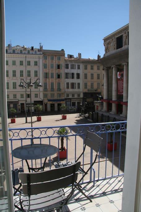La maison de l 39 opera sur le vieux port flats for rent in for Appartement design friche gare st charles vieux port