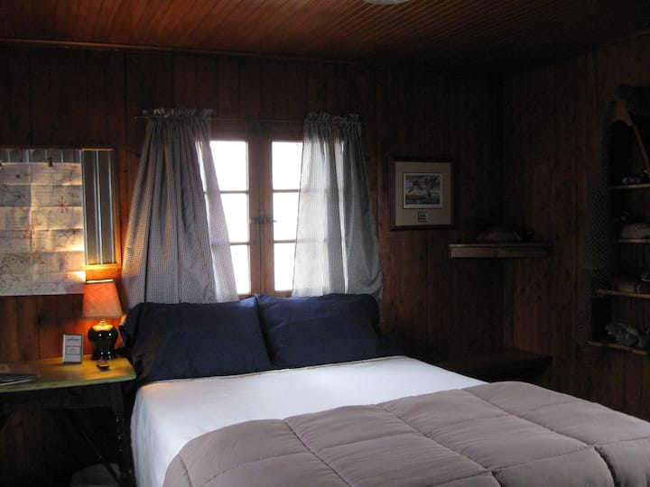 Mackinaw Timbers - Cabin #6