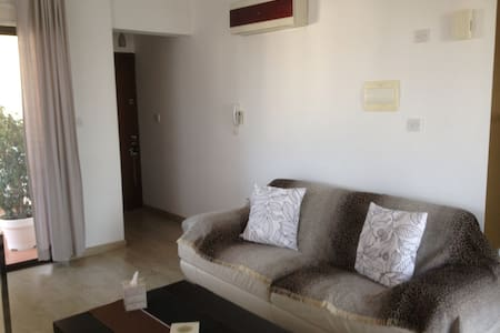 Spacious apartment in Larnaca!! - Flat