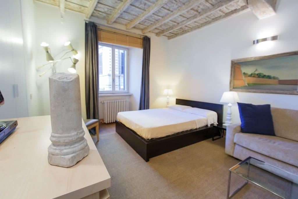 Studio apartment navona square apartments for rent in for Studio apartments in rome