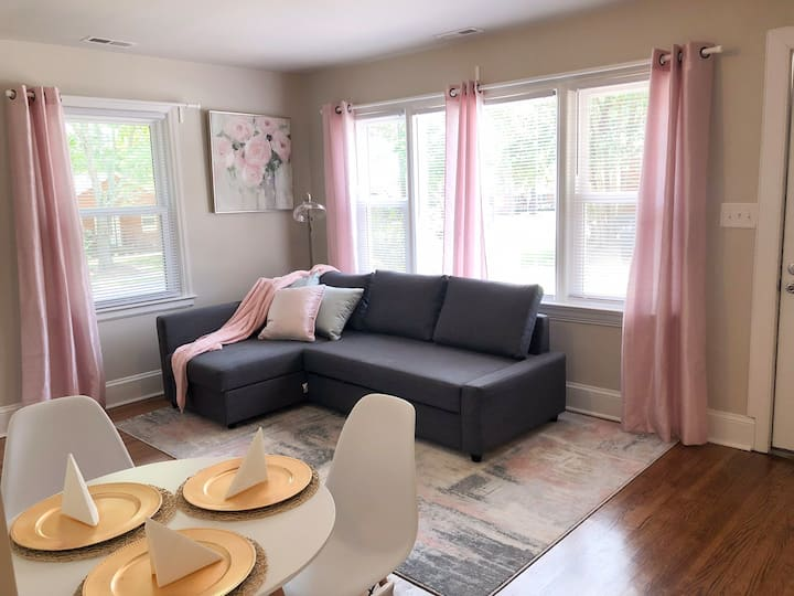 Charming Duplex Home close to Uptown Charlotte!