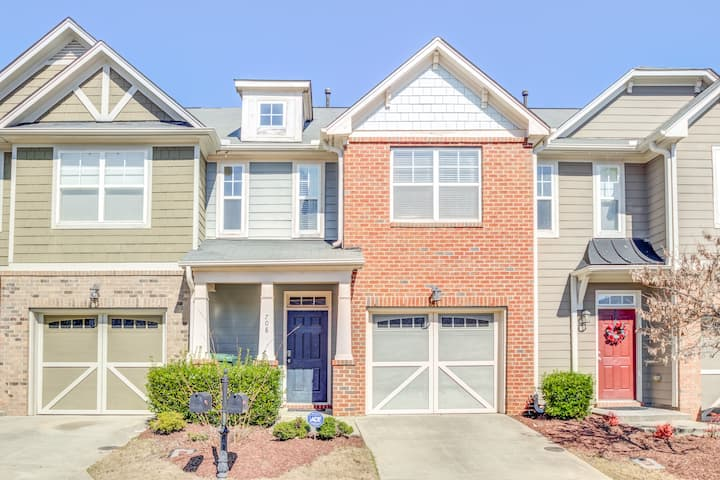 ❤️3 Q beds Townhome- Home Away from Home