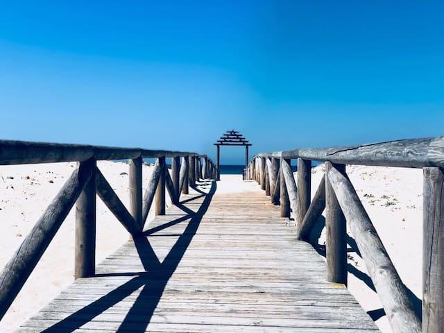 ZAHARA PUEBLO, 4 per. playa a 50m. Urb. Aretusa