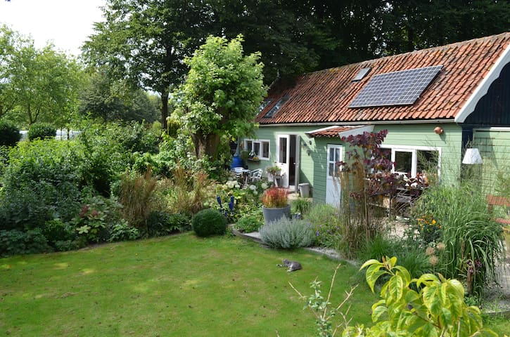 Romantic gardenhouse in Beemster
