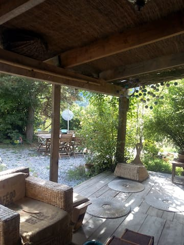 Joli Maison en Bois proche Verdon - Ubraye