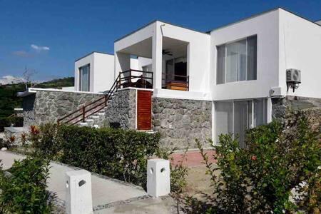 Casa Privada junto a la Playa - Jama Campay