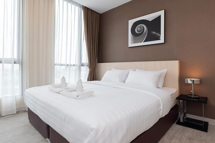 Brand new luxury beddings and towels