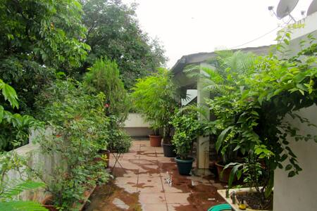 Room in a lovely terraced home - Pune