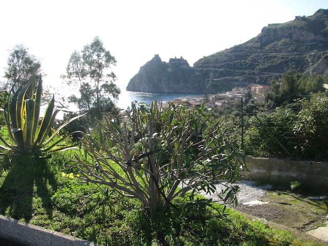 NEAR TAORMINA TO M.20 FROM THE BEAC - Sant'Alessio Siculo - Apartment