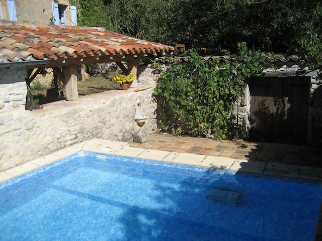 Romantic house with pool  - St Antonin Noble Val