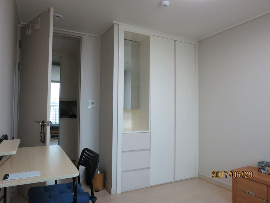 BUILT IN CLOSET & DRAWERS (plenty of storage space for long term guests)